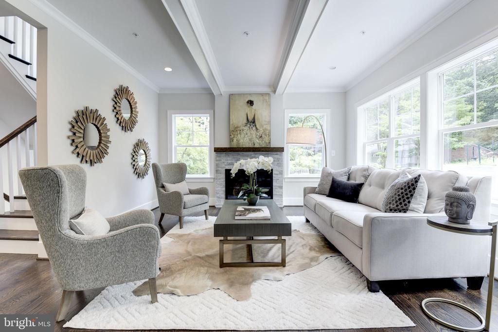 Fabulous family room - 8609 SEVEN LOCKS RD, BETHESDA