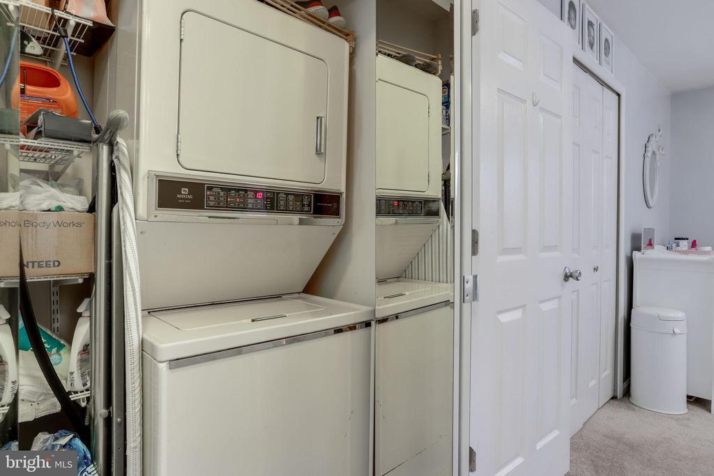 Laundry - 3810 9TH RD S, ARLINGTON