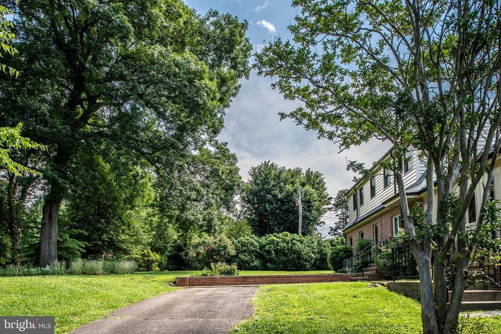 - 198 RED HILL RD, ORANGE