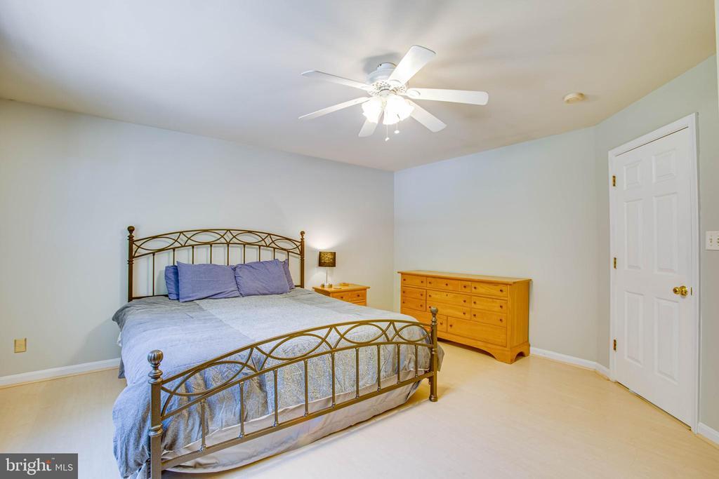Owner's suite - 120 CASCADE LN, FREDERICKSBURG