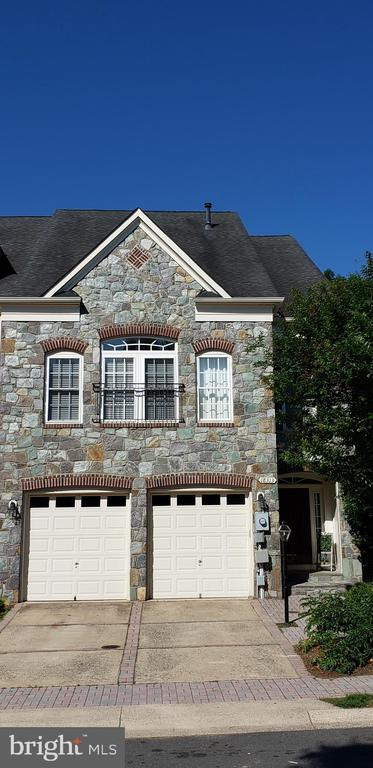 LOVELY HOME - MOVE IN READY - 18313 BUCCANEER TER, LEESBURG
