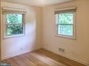 Bedroom, hardwood floors - 6641 KERNS RD, FALLS CHURCH