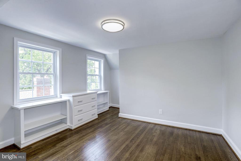 Third floor 5th bedroom - 926 26TH ST S, ARLINGTON