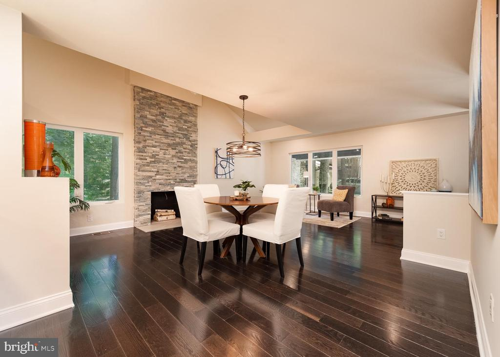 Dining area, stone fireplace - 10968 EIGHT BELLS LN, COLUMBIA