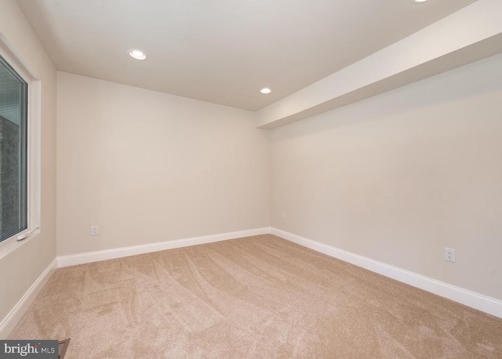 First floor office, front of house - 10968 EIGHT BELLS LN, COLUMBIA