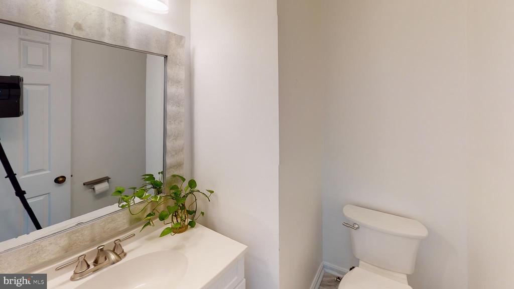 Half bath on main level - 13616 WILDFLOWER LN, CLIFTON