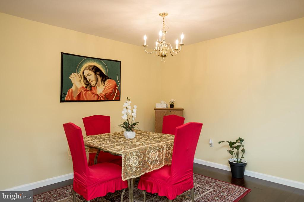 Living/dining combo - 2855 BOWES LN, WOODBRIDGE