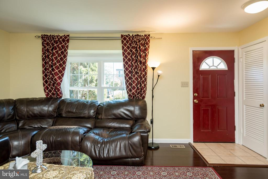 Open Floor Plan - 2855 BOWES LN, WOODBRIDGE