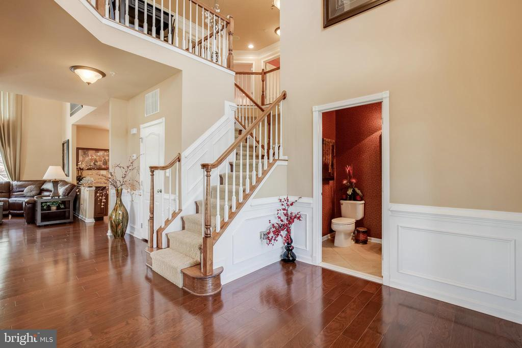 Welcoming Two Story Foyer - 42355 EQUALITY ST, CHANTILLY