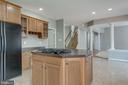 FAMILY ROOM OPENS INTO THE KITCHEN - 42345 ASTORS BEACHWOOD CT, CHANTILLY