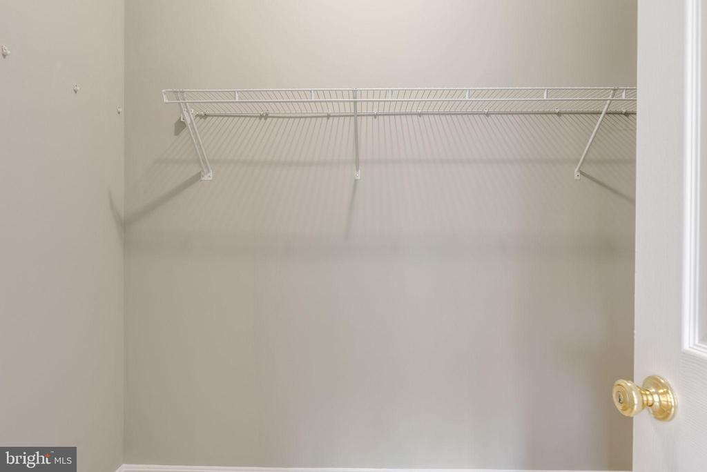 CLOSET -HIS AND HERS - 42345 ASTORS BEACHWOOD CT, CHANTILLY