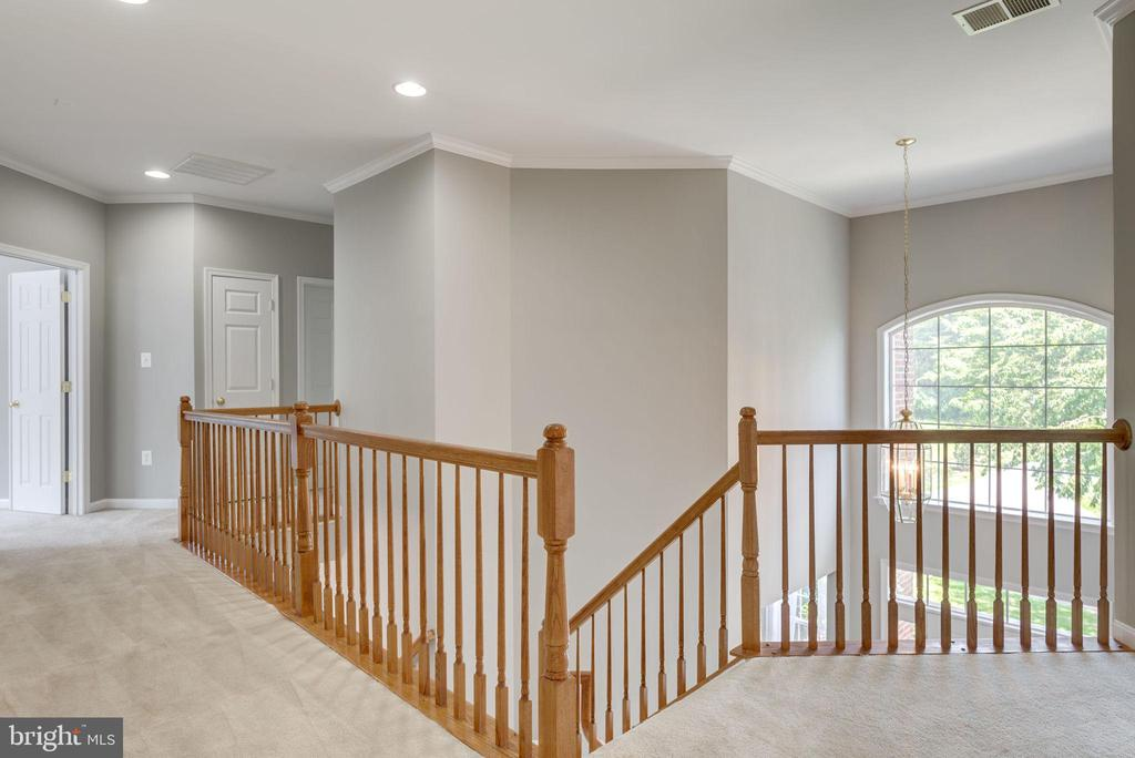LETS TOUR THE UPPER LEVEL - 42345 ASTORS BEACHWOOD CT, CHANTILLY