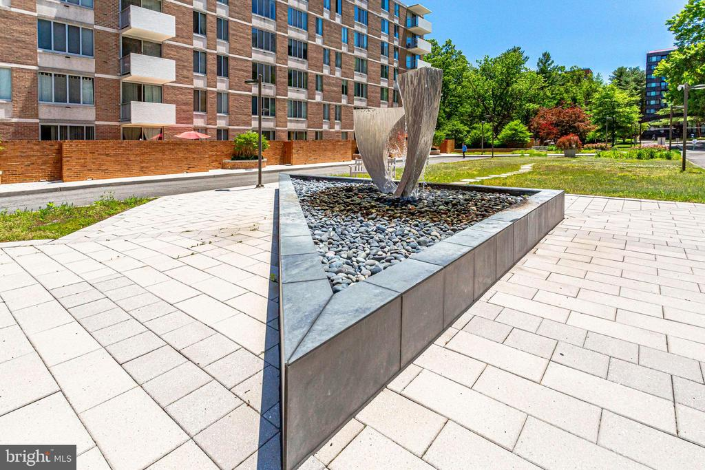 Art in front of building - 2939 VAN NESS ST NW #1017, WASHINGTON
