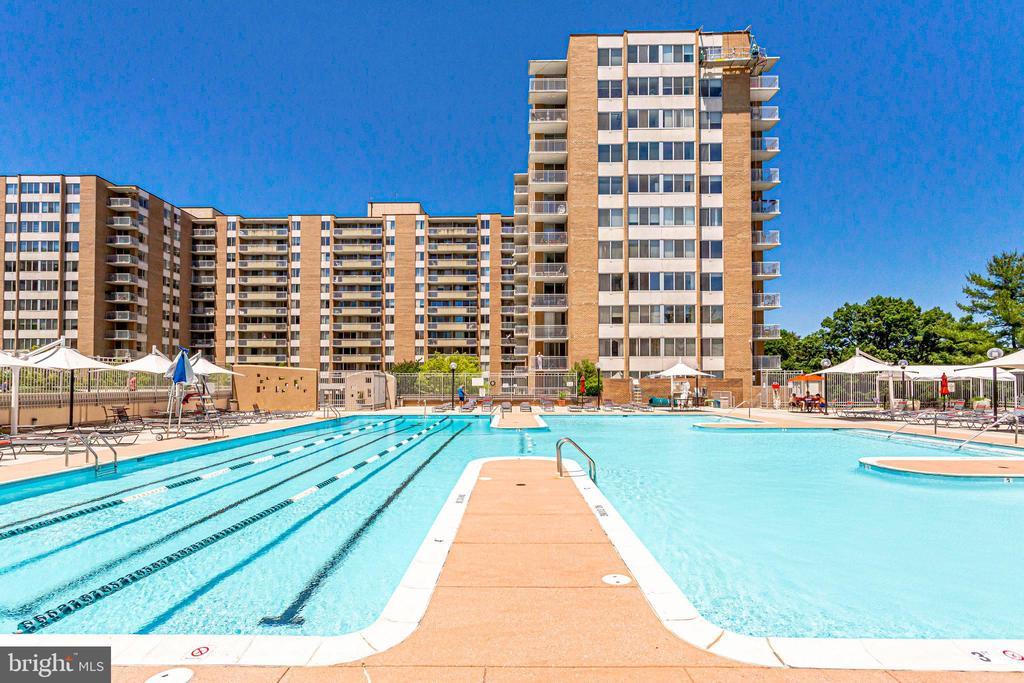 One of the two pools in the community - 2939 VAN NESS ST NW #1017, WASHINGTON