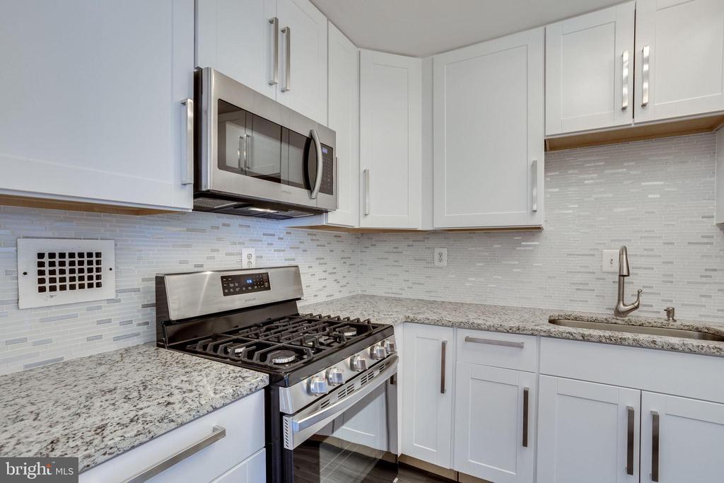 Upgraded new cabinets and Tile Backsplash - 2939 VAN NESS ST NW #1017, WASHINGTON