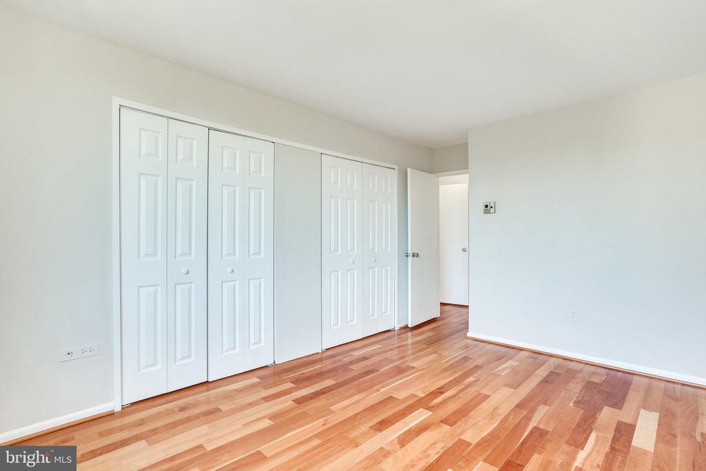 Bedroom with hardwood floors - 2939 VAN NESS ST NW #1017, WASHINGTON