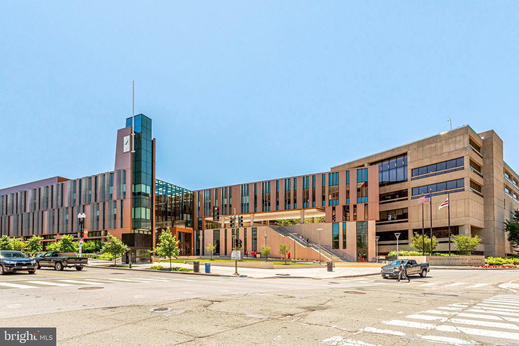 University of DC across - 2939 VAN NESS ST NW #1017, WASHINGTON