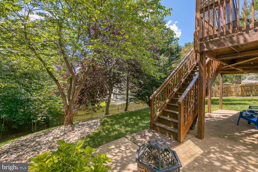 Landscaped backyard - 26 NEVILLE CT, STAFFORD