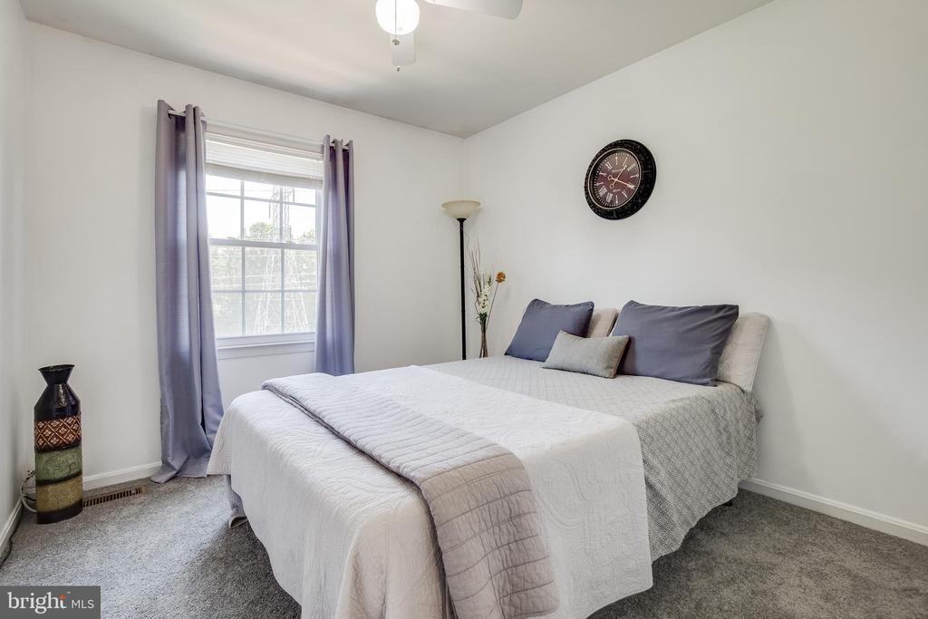 THIRD BEDROOM - 6395 FENESTRA CT #110B, BURKE