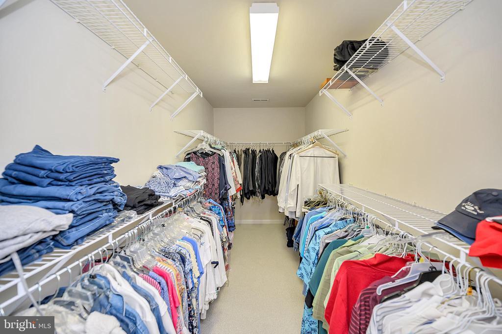 Massive master walk in closet - 106 CONFEDERATE CIR, LOCUST GROVE