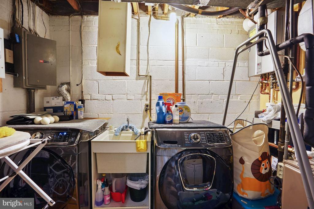 Laundry Room - 3421 STONEYBRAE DR, FALLS CHURCH
