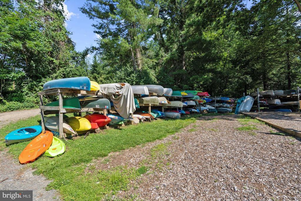Canoes and Kayaks - 3421 STONEYBRAE DR, FALLS CHURCH