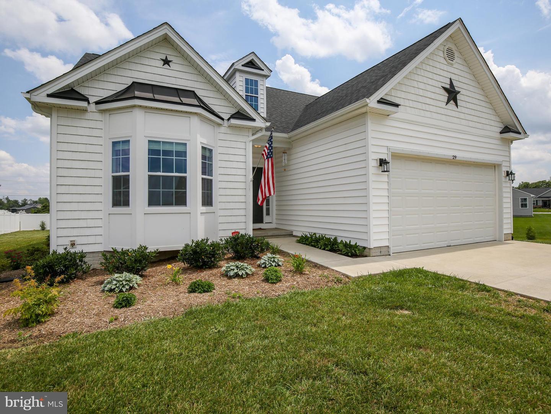 Single Family Homes vì Bán tại Bunker Hill, Tây Virginia 25413 Hoa Kỳ