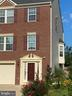 Front view of end unit - 48 HUNTING CREEK LN, STAFFORD