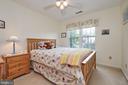 Upper Level Secondary Bedroom - 13715 SHELBURNE ST, CENTREVILLE