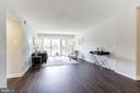 Spacious living area - 1300 ARMY NAVY DR #225, ARLINGTON