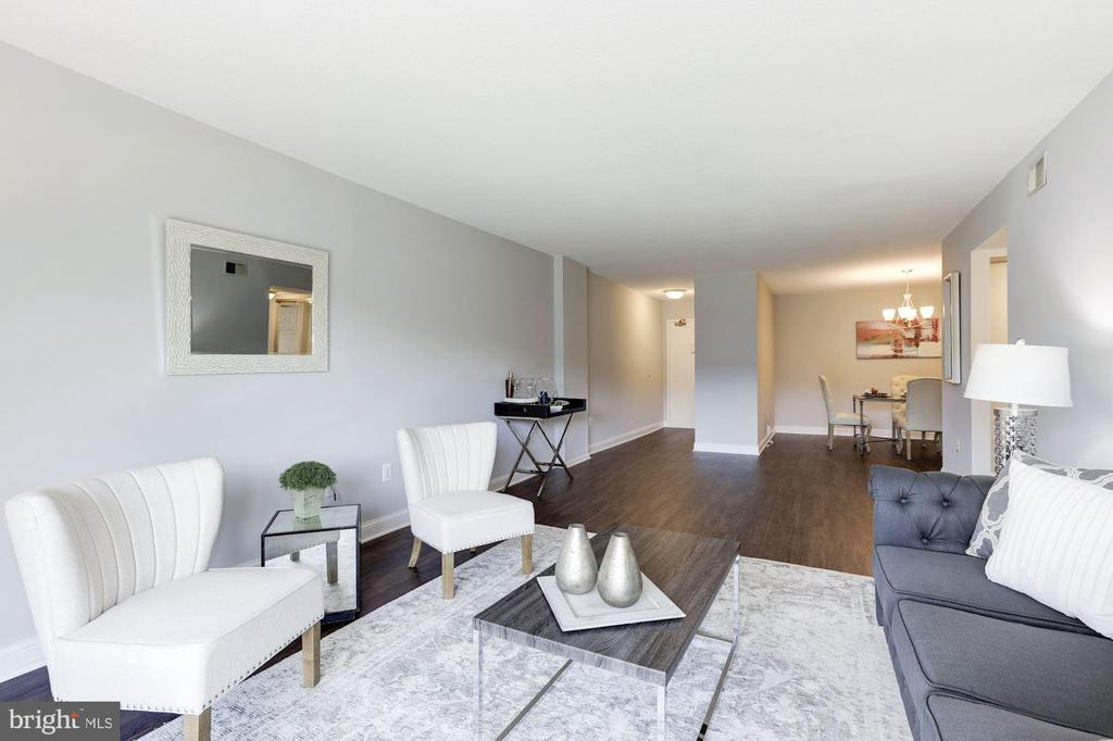 Living & dining room areas - 1300 ARMY NAVY DR #225, ARLINGTON