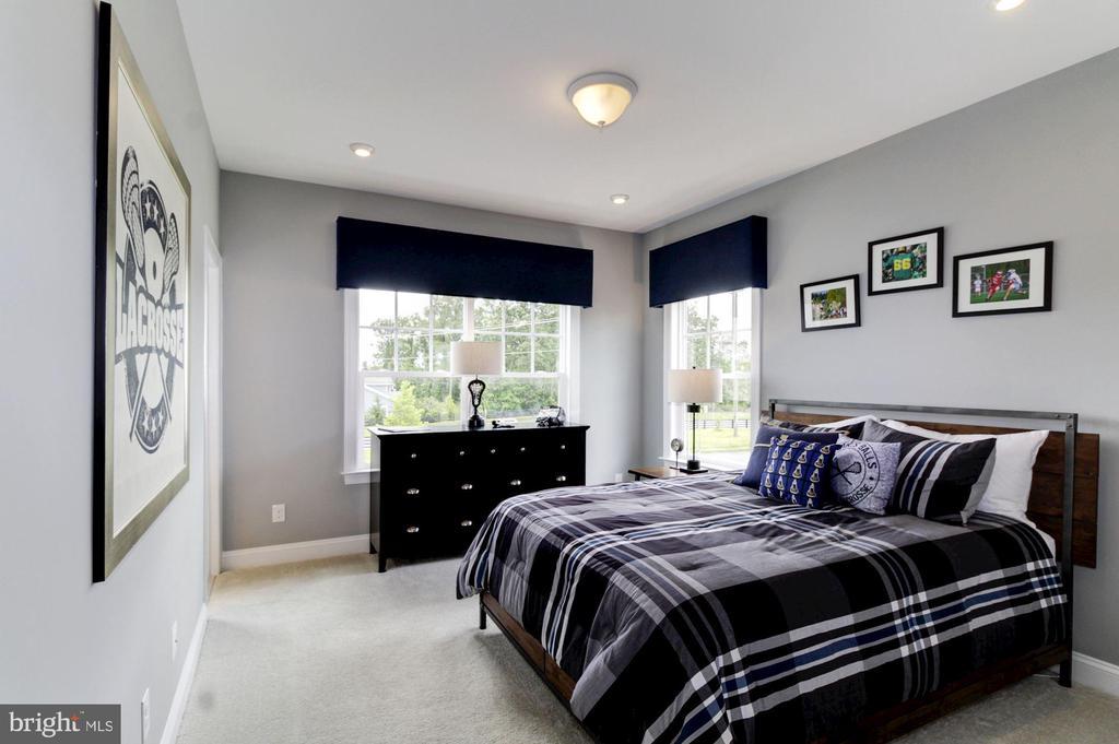Bedroom - 789 WHITE ELM, ALDIE