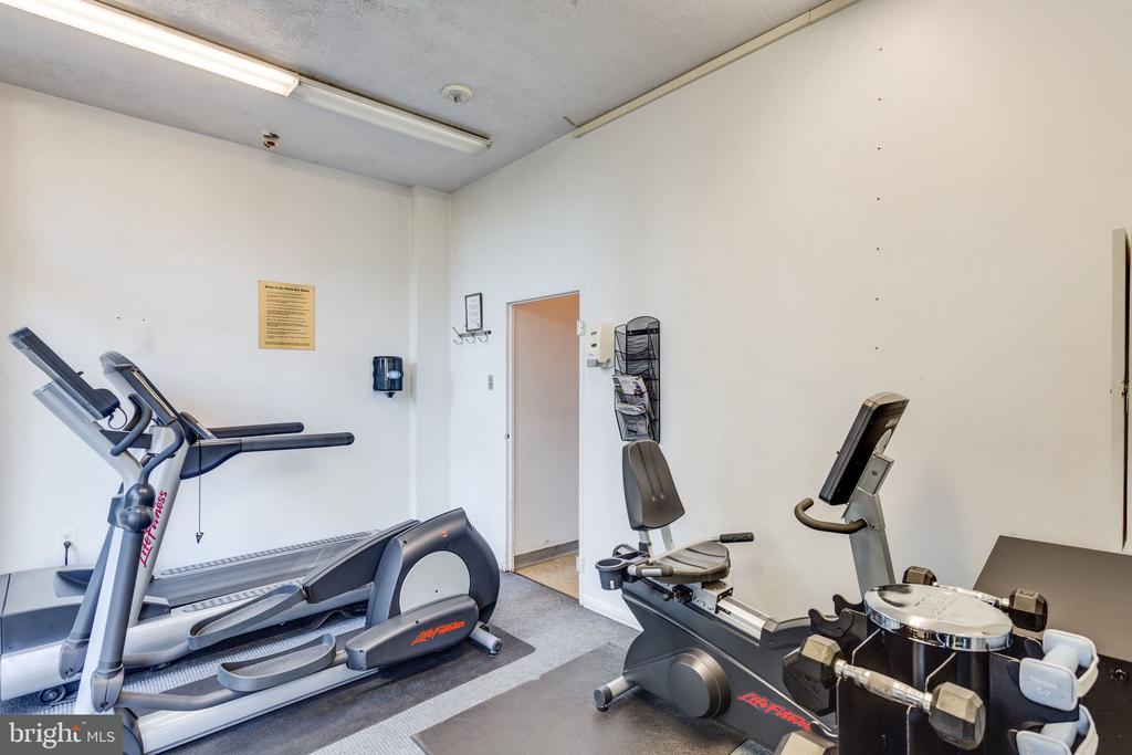 Gym facilities - 6621 WAKEFIELD DR #620, ALEXANDRIA