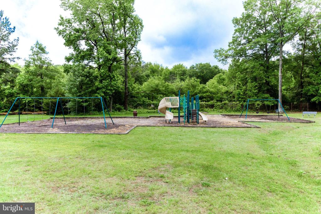 A playground - 6621 WAKEFIELD DR #620, ALEXANDRIA