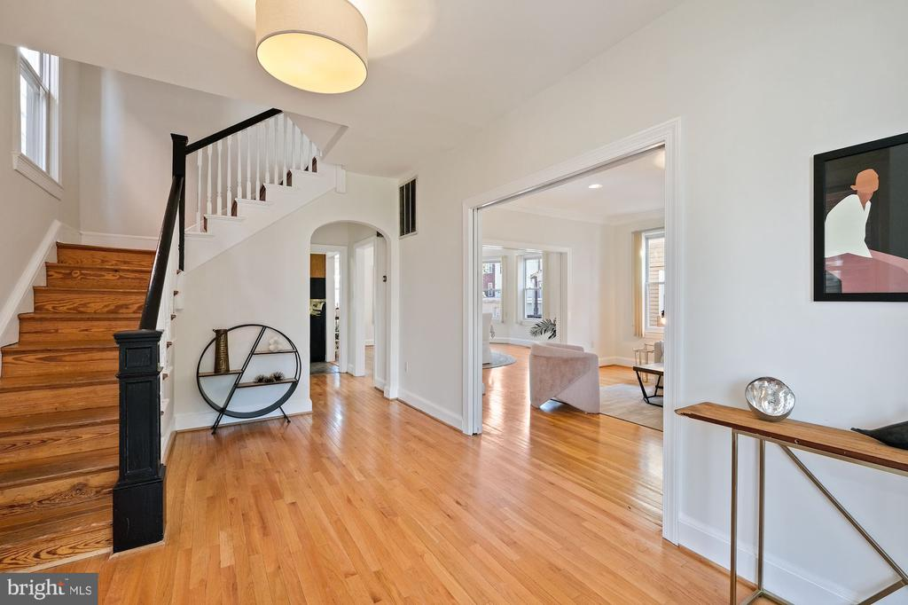 Gorgeous front Hall - 1407 WEBSTER ST NW, WASHINGTON