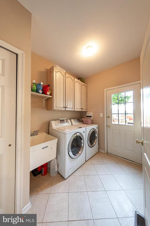 Laundry room - 43570 FREEPORT PL, STERLING