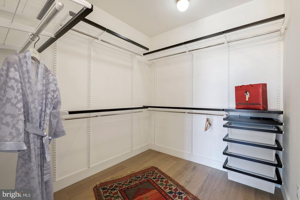 master BA walk in closet with hanging  & shelves - 928 O ST NW #3, WASHINGTON