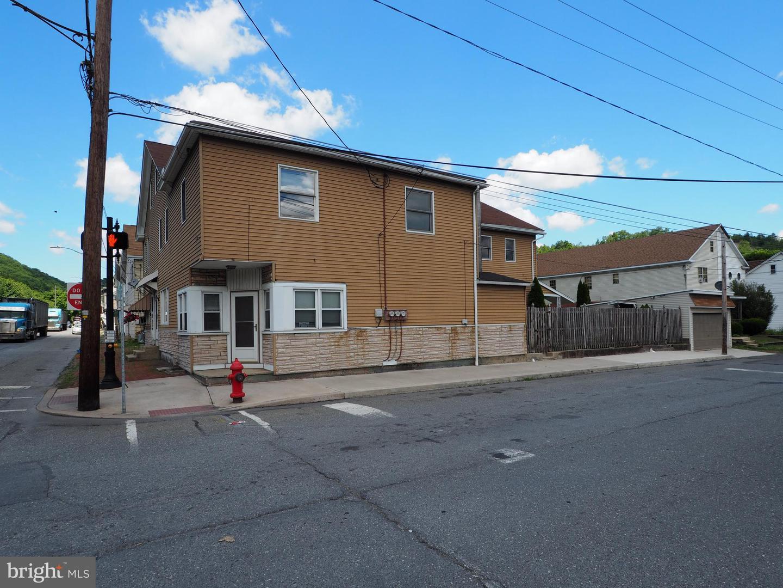 Duplex Homes için Satış at Tamaqua, Pennsylvania 18252 Amerika Birleşik Devletleri