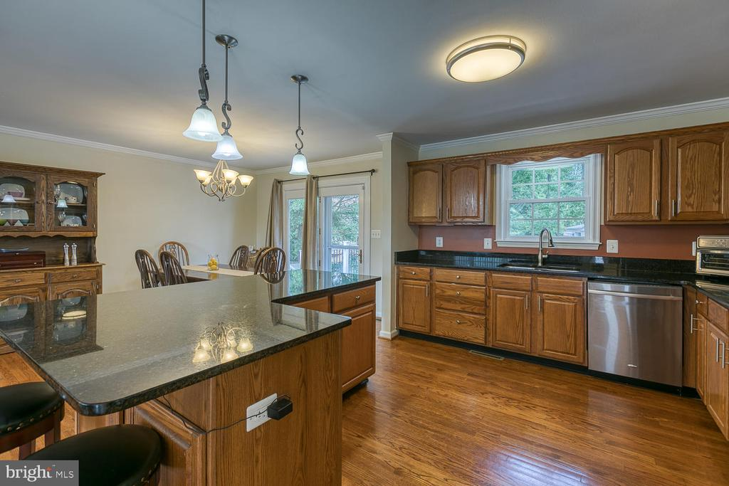 Updated Kitchen with SS Appliances - 201 N RANDOLPH RD, FREDERICKSBURG
