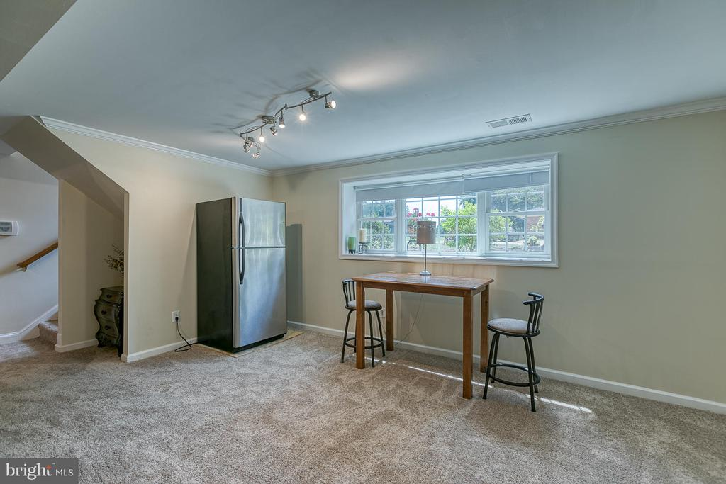 Light and Airy - 201 N RANDOLPH RD, FREDERICKSBURG