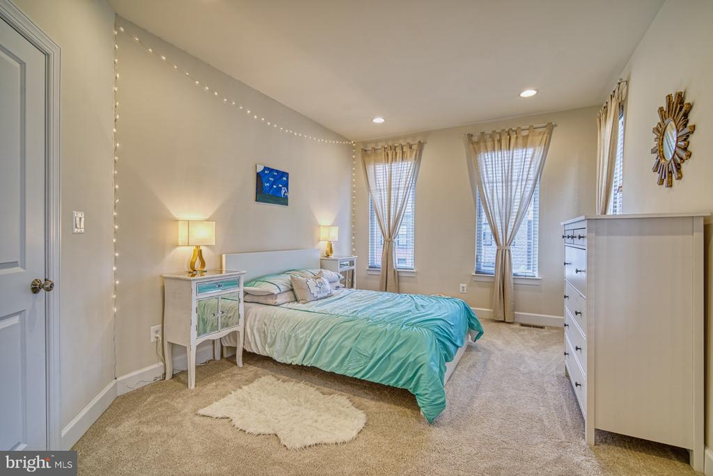 Bedroom has Private Bathroom - 42298 ASHMEAD TER, BRAMBLETON