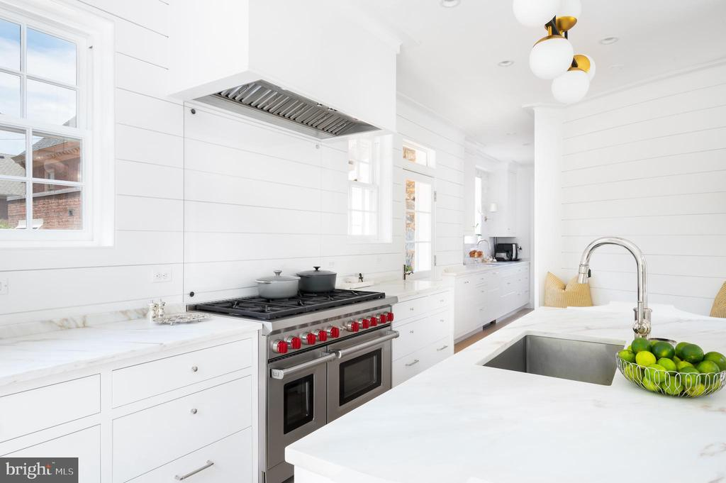 Kitchen with Top-of-the-Line Appliances - 2302 KALORAMA RD NW, WASHINGTON