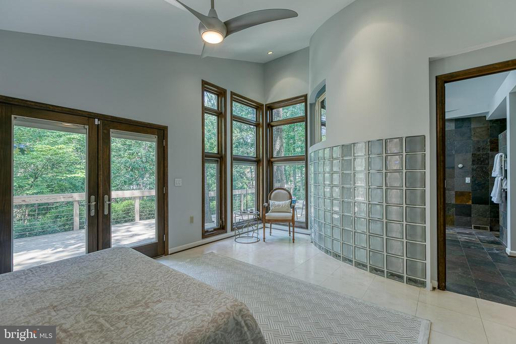 Luxury master suite - 3408 GREENTREE DR, FALLS CHURCH