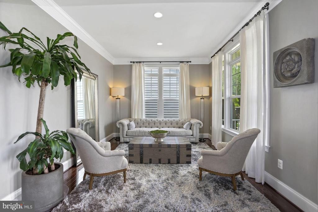 Formal Living Room - 6515 MANOR RIDGE CT, FALLS CHURCH
