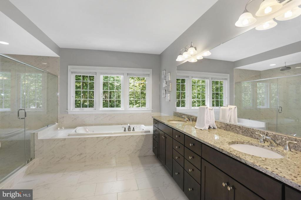 Owner's Bathroom-Double Vanity - 6515 MANOR RIDGE CT, FALLS CHURCH
