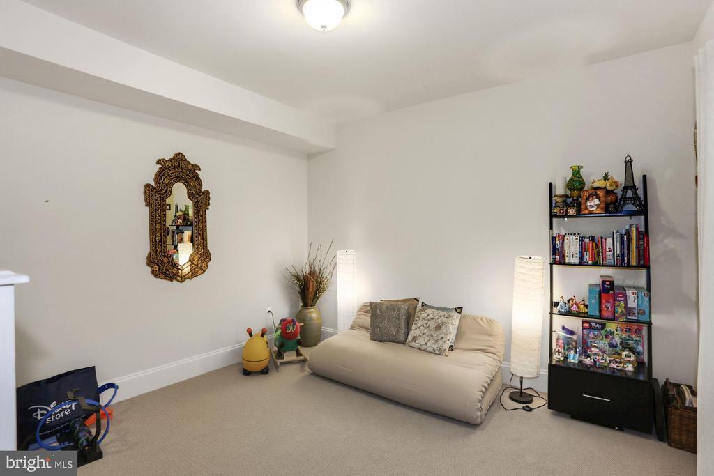 Bedroom Lower Level - 6515 MANOR RIDGE CT, FALLS CHURCH