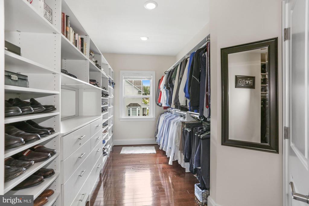 His custom closet - 6515 MANOR RIDGE CT, FALLS CHURCH