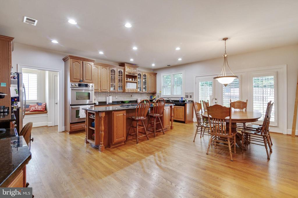 Eat-In Kitchen - 3717 STONEWALL MANOR DR, TRIANGLE