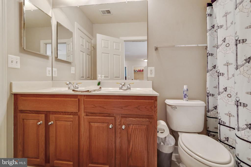 Full Guest Bathroom - 3717 STONEWALL MANOR DR, TRIANGLE