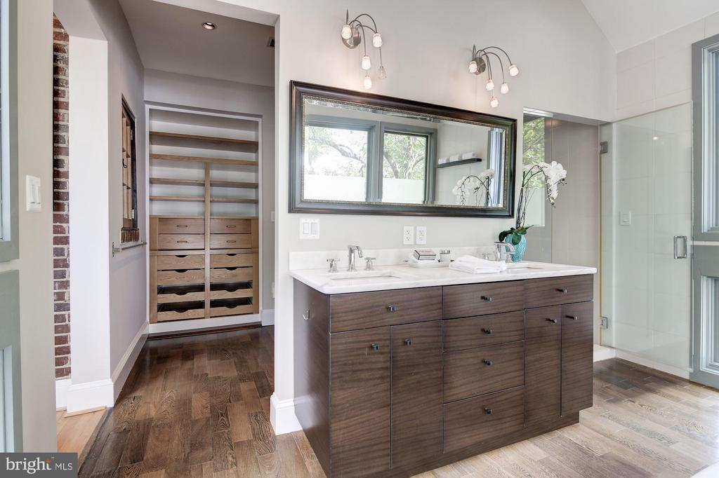 Master Suite - 5335 43RD ST NW, WASHINGTON